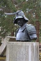 仙台のシンボル・伊達政宗の胸像も一部破損