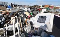 激しさ物語る災害ごみ 福島県新地町 仮置き場に搬入続々
