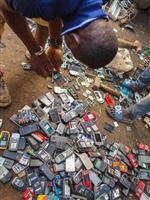 わたしたちが捨てたガジェットは「電子ごみ」になり、途上国の人々の健康を害している