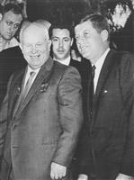 ケネディ暗殺はフルシチョフが指令? 元CIA長官が著書で新説
