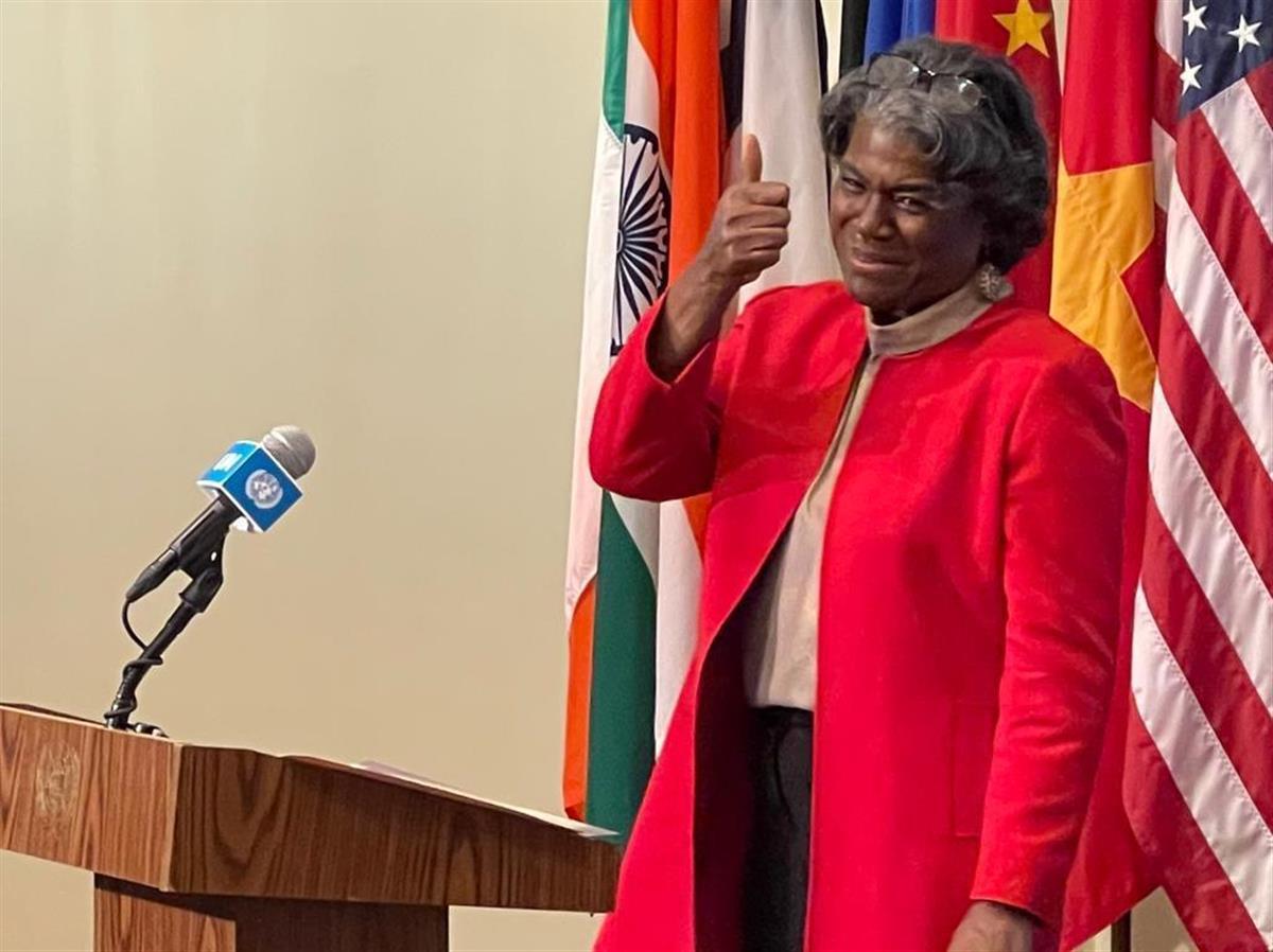 25日、米ニューヨークの国連本部で着任演説を行うリンダ・トーマスグリーンフィールド国連大使(ゲッティ=共同)