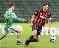 長谷部フル出場、鎌田は後半交代 サッカーのドイツ1部