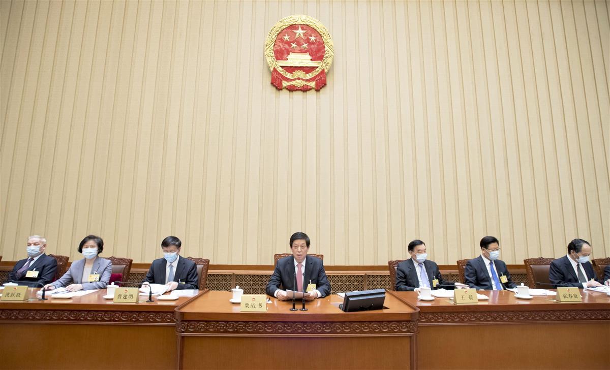 中国の全人代常務委員会会議=22日、北京(新華社=共同)