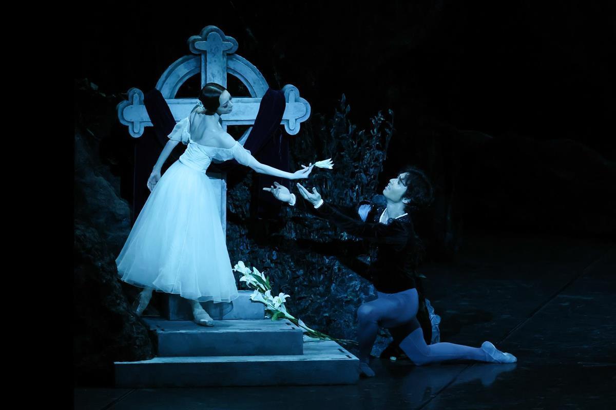 【鑑賞眼】東京バレエ団「ジゼル」 群舞も主役 層の厚さ示す