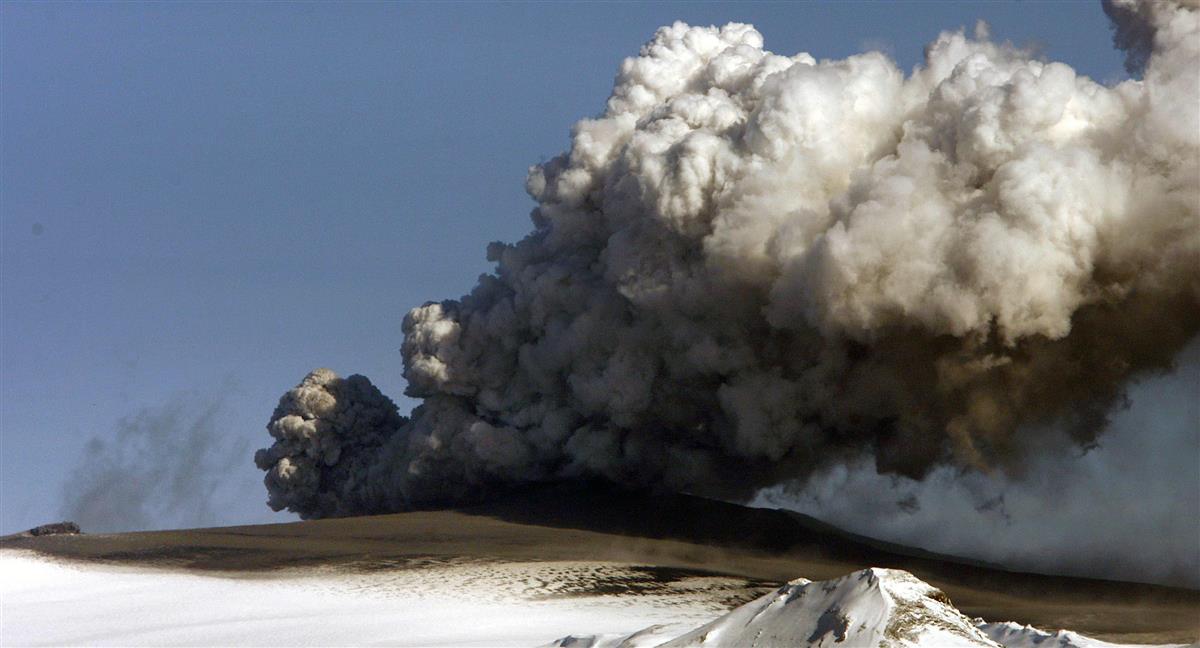アイスランド地震、1週間で2万回超 火山噴火可能性「高い」 - 産経 ...