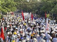 ミャンマー国軍、夜間に反対派相次ぎ拘束 NLD関係者、連行後に死亡