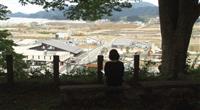 【ぐんまアート散歩】10年の歩みに耳を澄ます 「聴く-共鳴する世界」(アーツ前橋)