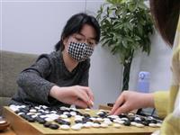 囲碁の仲邑初段、12歳最初の対局勝ち8連勝