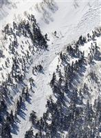 乗鞍岳雪崩、心肺停止の1人死亡