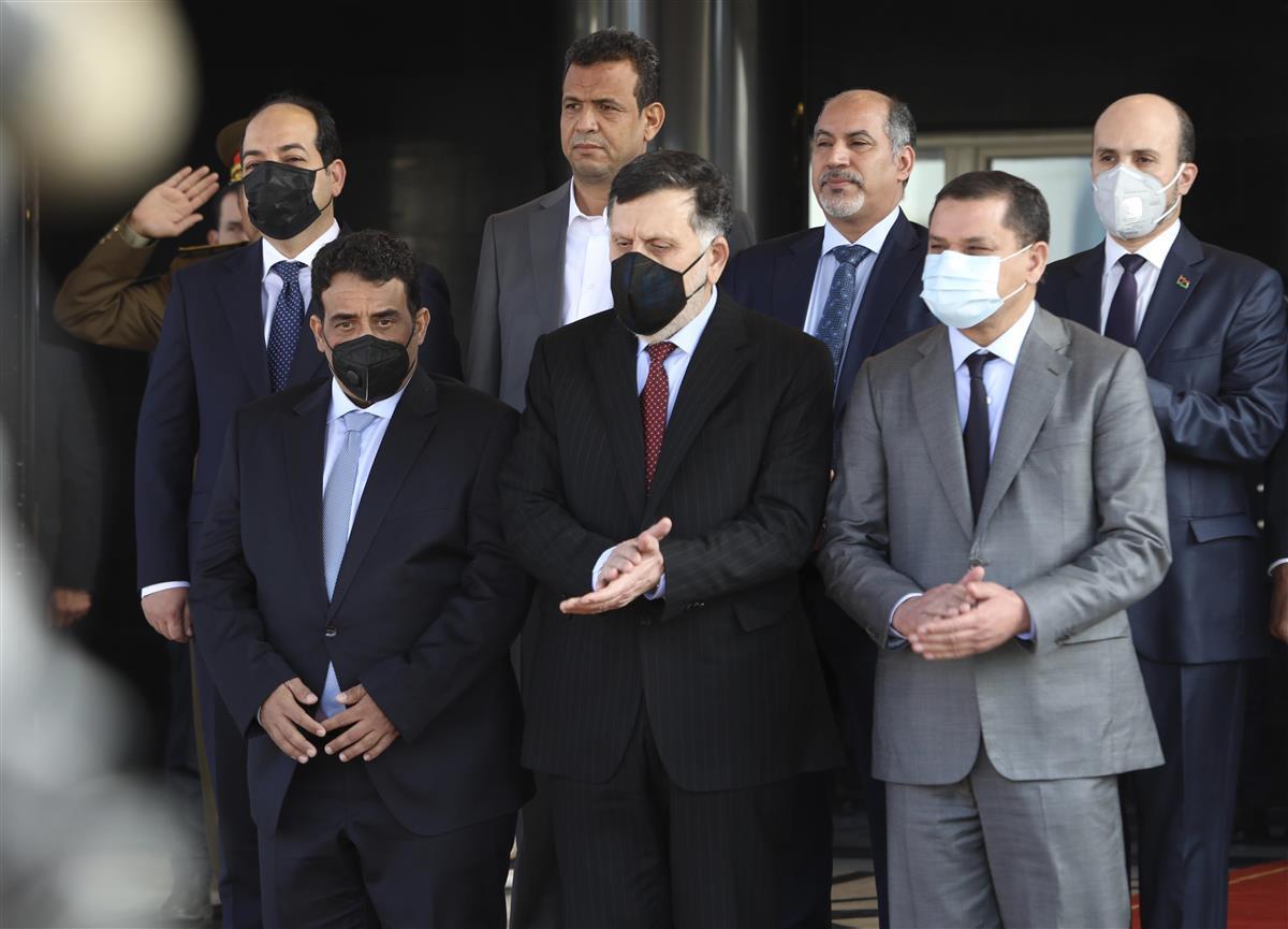 内戦のリビアで暫定内閣成立 課題山積、外国の民兵2万人 - 産経ニュース