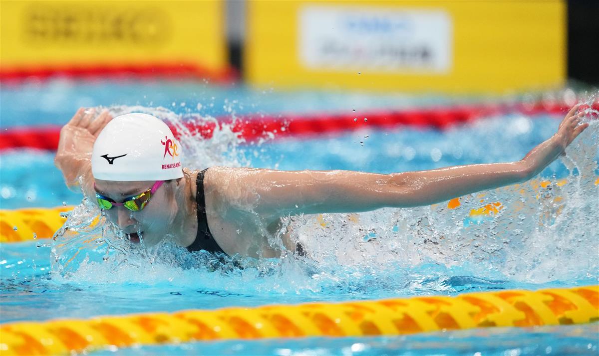 【競泳日本選手権第1日目】女子100メートルバタフライ準決勝での池江璃花子の泳ぎ=東京アクアティクスセンター(恵守乾撮影)