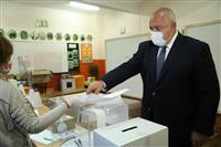ブルガリア与党中道右派が第1党へ 過半数届かず、連立難航も