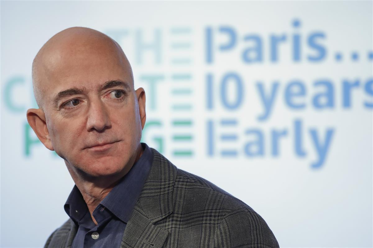 アマゾン・コムの創業者で最高経営責任者(CEO)のジェフ・ベゾス氏(AP)