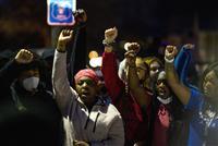 米黒人男性を警官が射殺 数百人規模の暴動発生