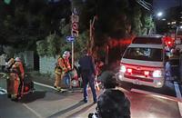 地下駐車場で消火用ガス誤噴出か 4人死亡1人重体 東京・新宿