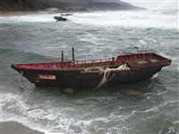 日本漂着の北朝鮮船9割減 コロナで違法操業自粛か