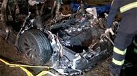 運転席無人のテスラ車が事故、2人死亡 半自動運転中か