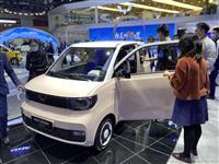 中国、50万円弱の低価格EV販売急拡大「人民の足」アピール