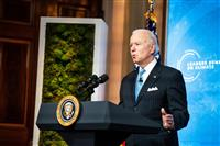 バイデン米大統領、「気候危機」と警告 サミット閉幕演説