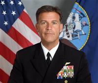 米太平洋軍司令官が交代式 アキリーノ氏が就任