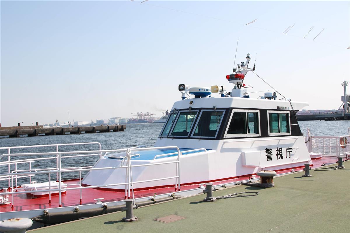 東京湾岸署の裏手にあるターミナルに浮かぶ全長約8メートルの警備艇
