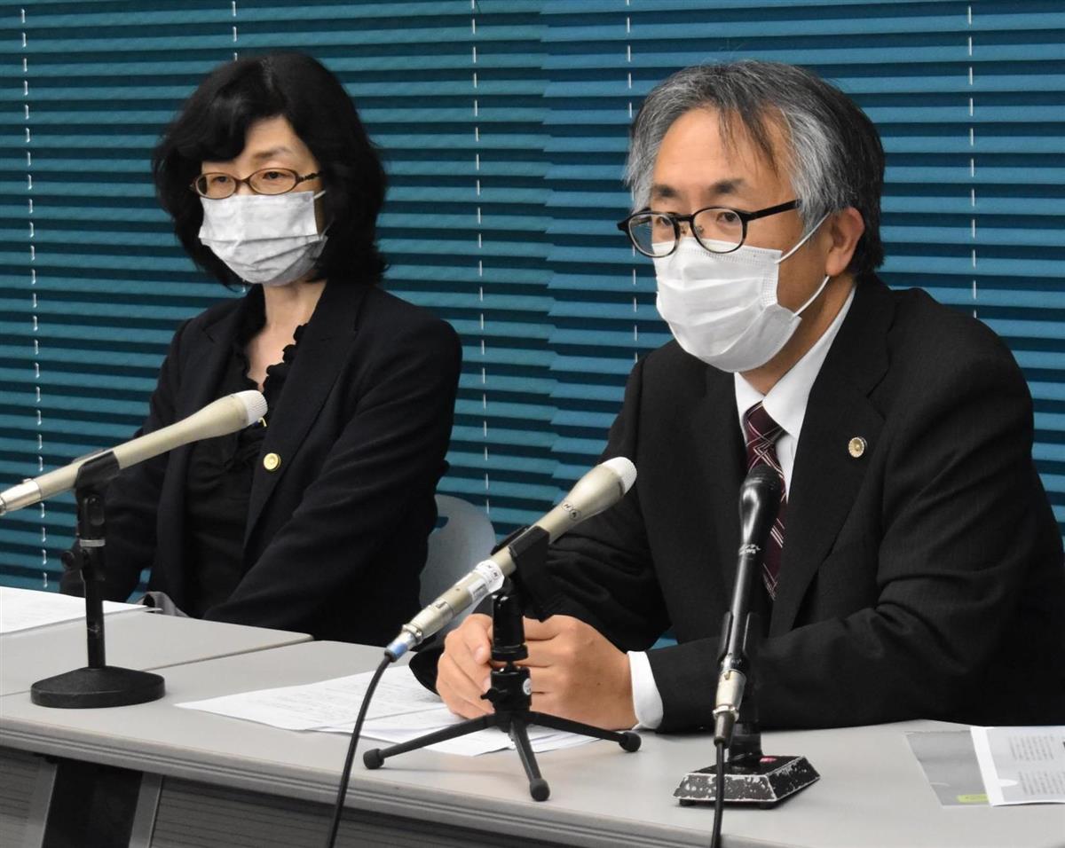記者会見する弁護団の石川賢治弁護士(右)=7日、大津市