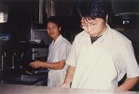 【話の肖像画】龍谷大学教授・李相哲(61)(12)長身の紳士の人情にホロリ