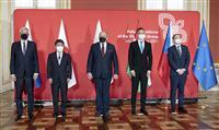 外相、国際秩序維持で一致 中国にらみ東欧4カ国と