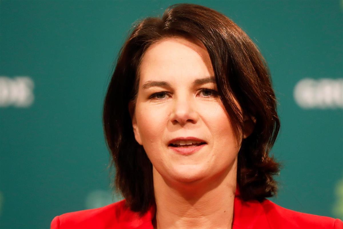 ドイツで「緑の党」旋風 女性首相候補で支持率トップに 現実路…