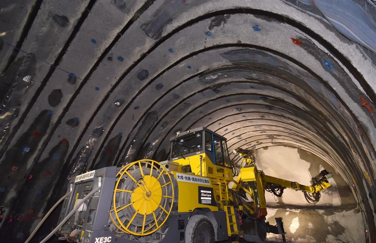 報道関係者に公開されたリニア中央新幹線の作業用トンネル掘削現場=12日、山梨県早川町新倉(渡辺浩撮影)