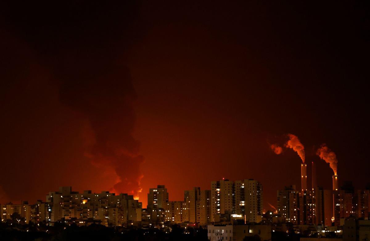 駐日イスラエル公使 ロケット弾は「市民への攻撃」と非難 空爆…