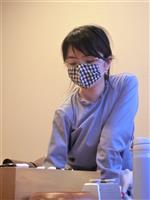 囲碁の中学生棋士・仲邑菫二段13連勝 十段戦予選に勝利
