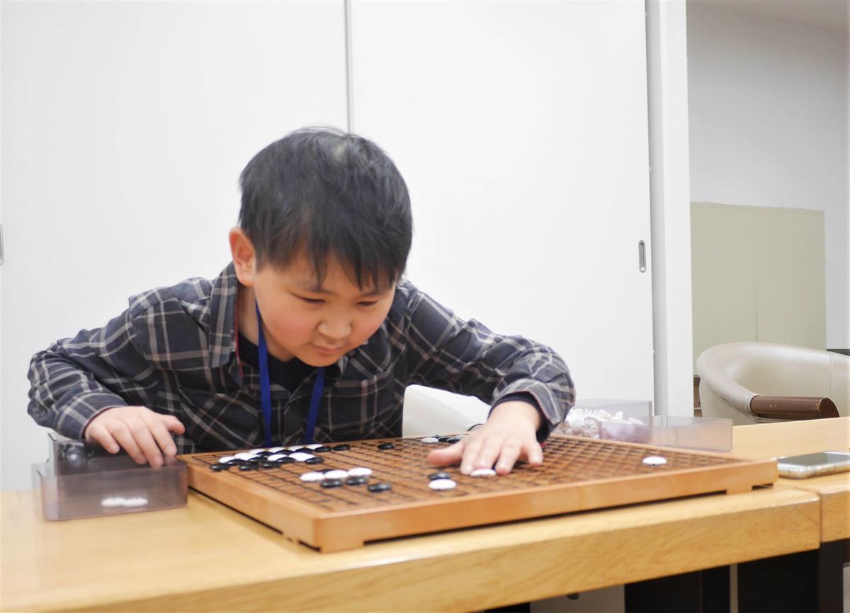 【マンスリー囲碁】「井山三冠と対局を」 視覚障害でもプロ目指…