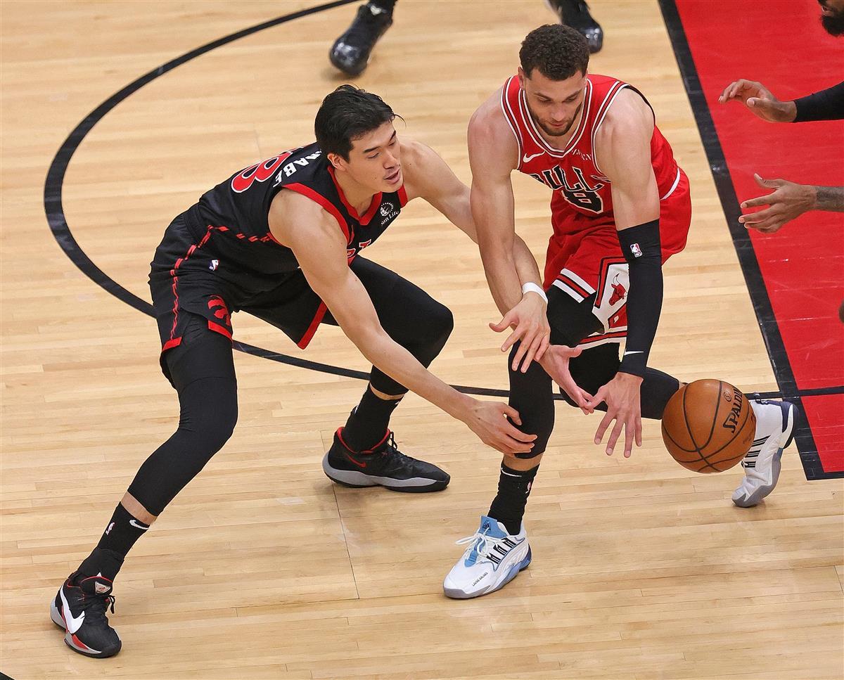 渡辺、右足首痛で途中退場 NBAラプターズ5連敗