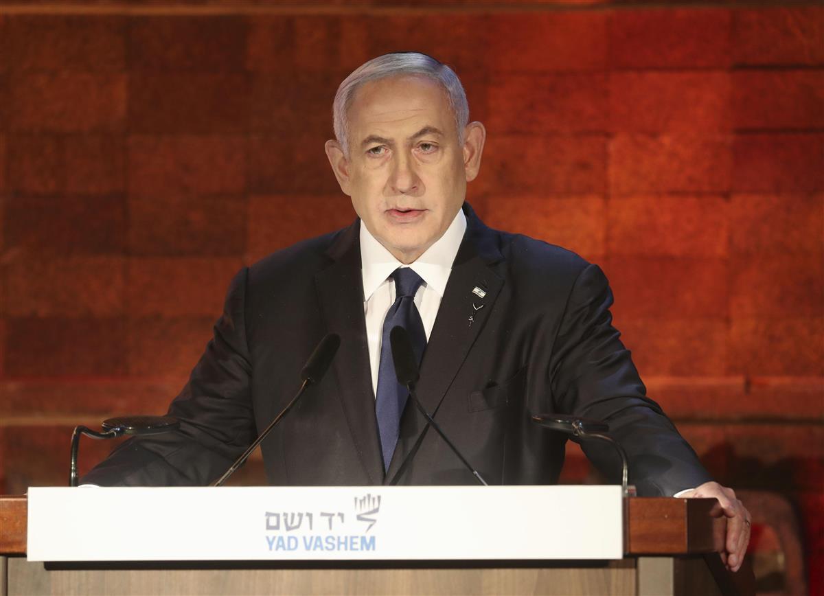 イスラエル首相「さらに攻撃」 ガザ周辺の兵力増強続く、地上侵…
