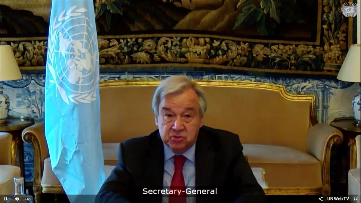 16日、国連安全保障理事会でイスラエルとパレスチナに「即時停戦」を要請するグテレス事務総長(UNWevTVが配信した動画から)