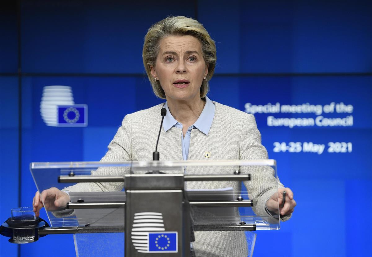 強制着陸は「国家によるハイジャック」 EU、ベラルーシ制裁を決定