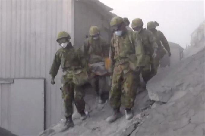 【動画】自衛隊が御嶽山の捜索活動の動画公開 - 動画 - 産経フォト