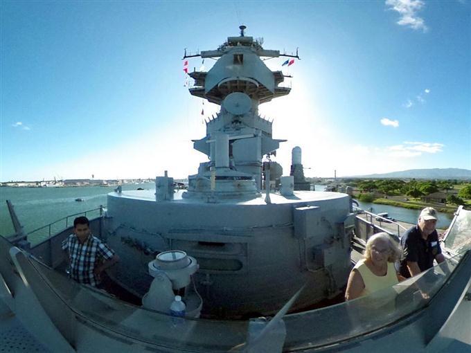 真珠湾に浮かぶ終戦の舞台「ミズーリ」【360°パノラマ】
