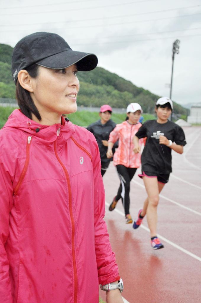 環太平洋大の女子駅伝チーム監督に就任したシドニー五輪女子マラソン7位の山... 環太平洋大の女子