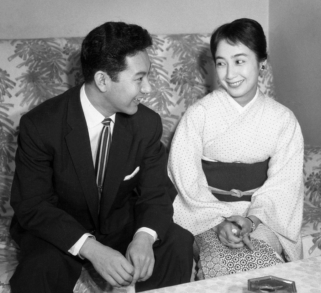 産経フォト【今日は何の日】扇千景が中村扇雀と婚約
