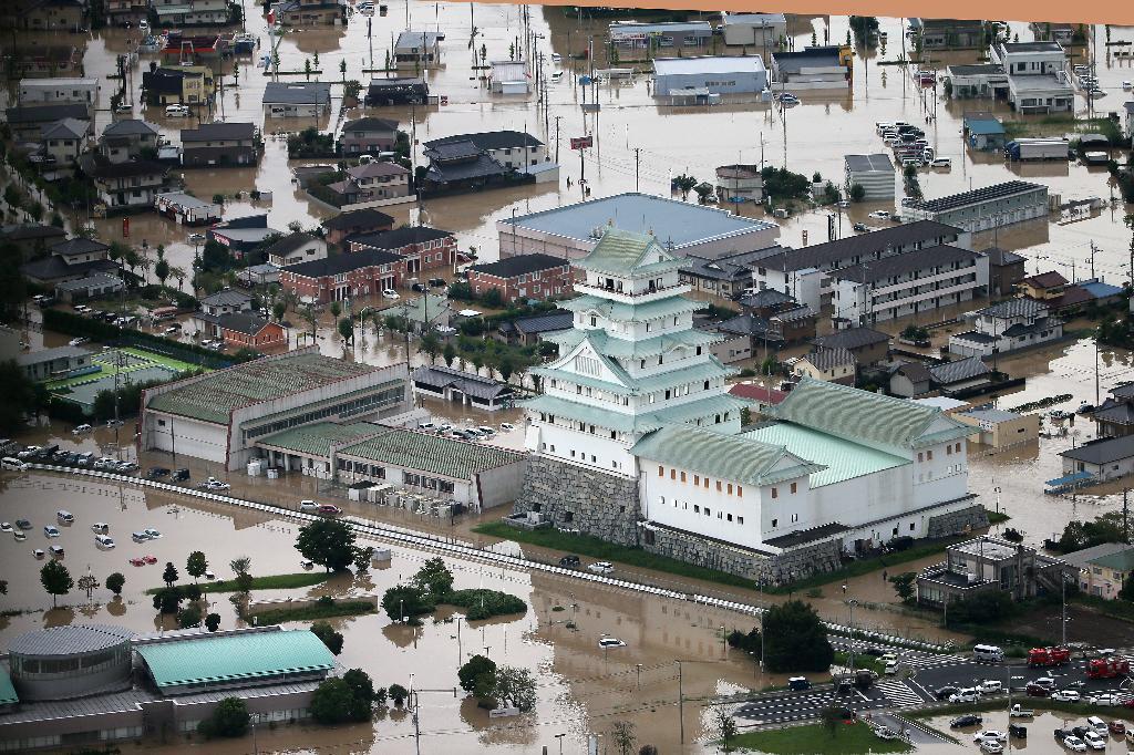 鬼怒川決壊 懸命な救助活動が続く茨城県常総市 - 読んで見 ...