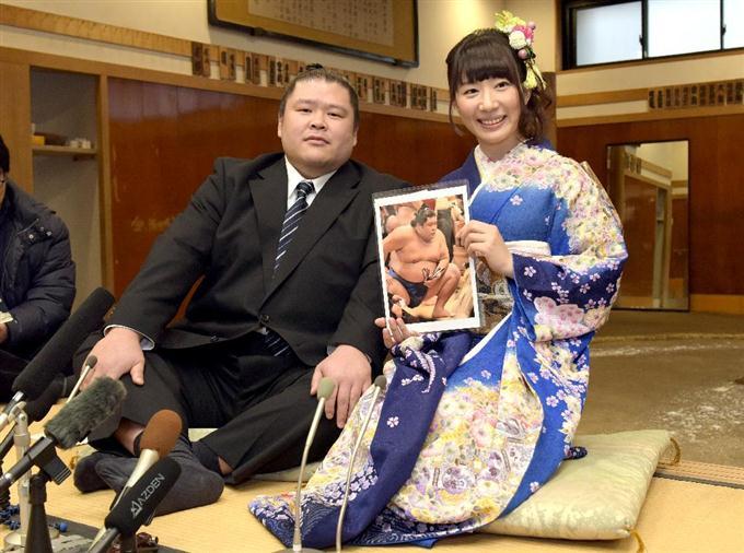 安治川親方が婚約発表 タレントの小泉エリさんと - 読んで見フォト ...