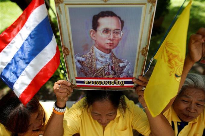 タイ国王が在位70年 世界最長、...