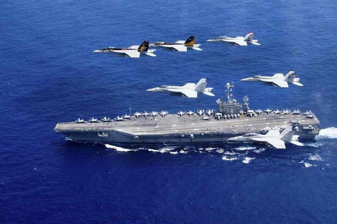 米空母2隻がフィリピン海に展開 ...