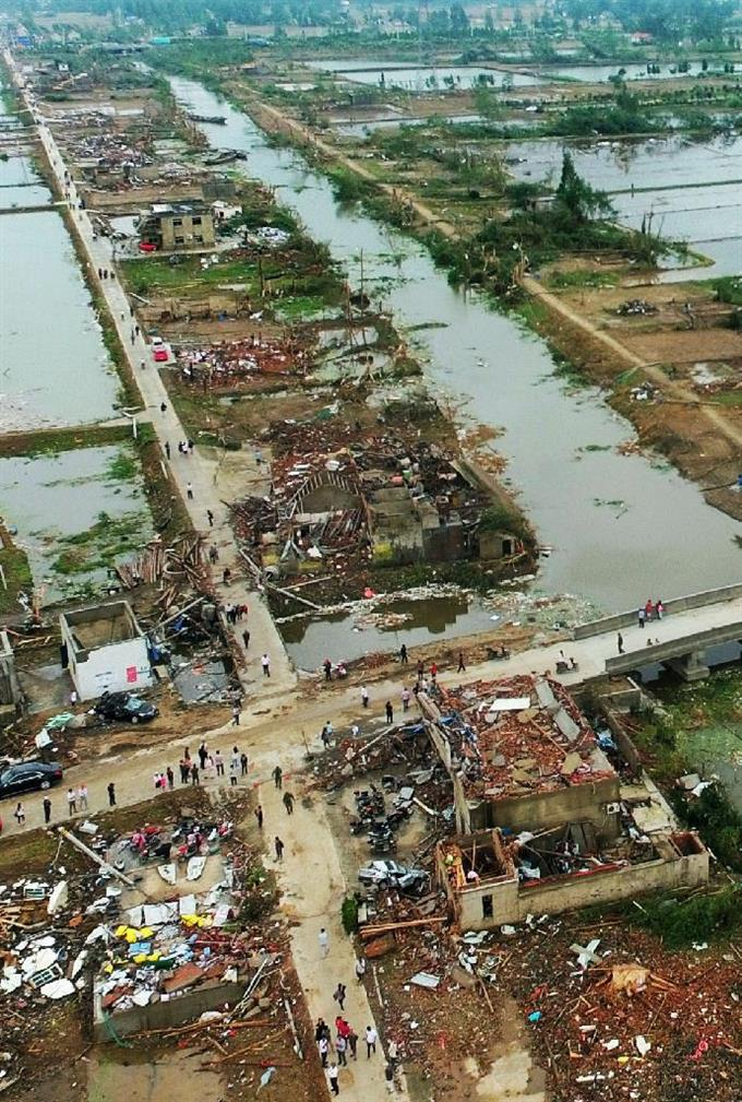 中国の竜巻での死者98人に 負傷...