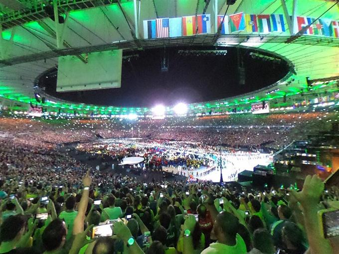 五輪開幕、ブラジル選手団に大歓声【リオ360°パノラマ】Vol.17 - 360 ...
