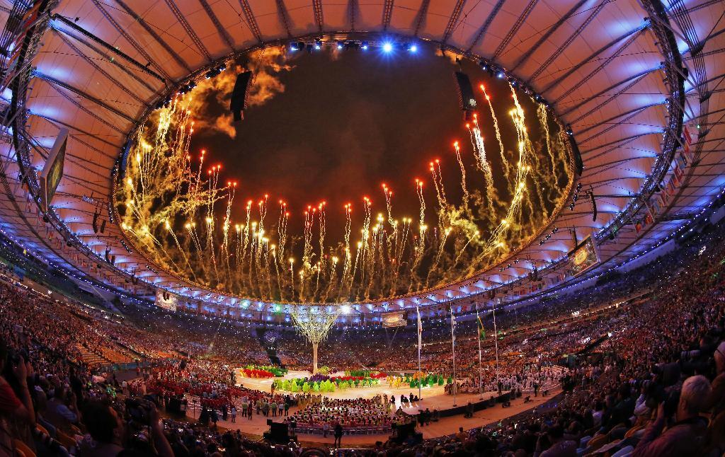 「リオ五輪 閉会式 花火」の画像検索結果