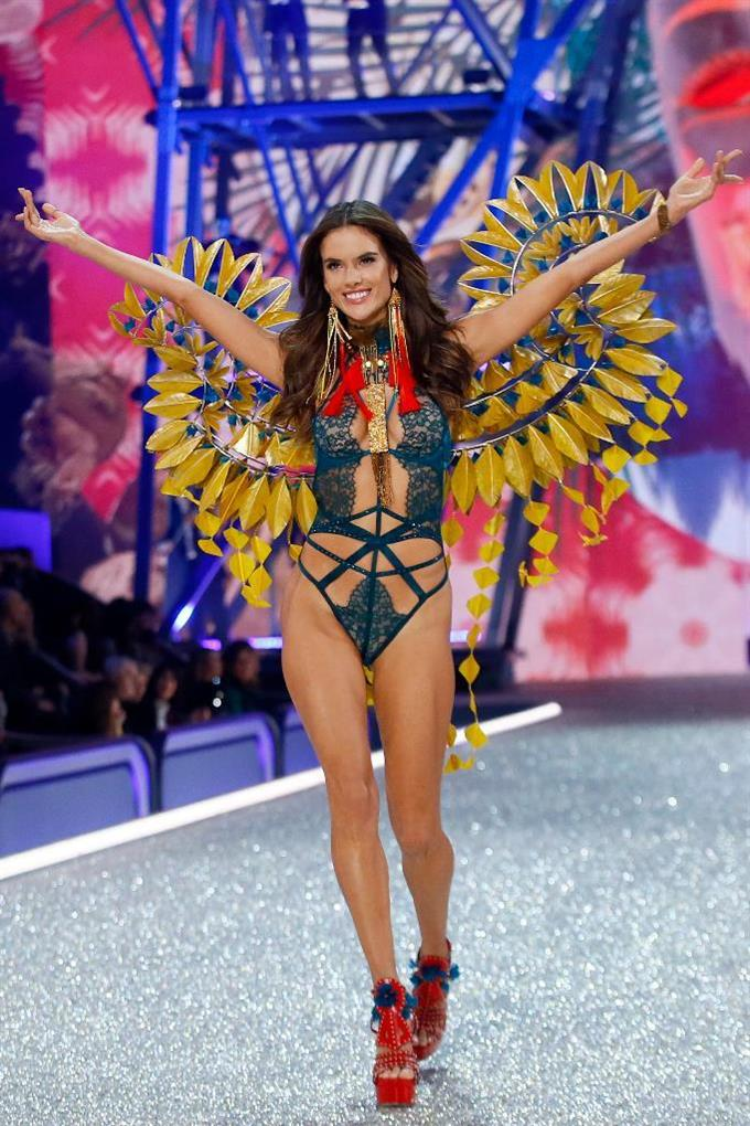 Model Alessandra Ambrosio displays a creation during the Victoria's Secret Fashion Show inside the Grand Palais, in Paris, Wednesday, Nov. 30, 2016. The pulse-quickening, celebrity-filled catwalk event of the year : the Victoria's Secret fashion show takes place in Paris with performances from Lady Gaga and Bruno Mars. (AP Photo)