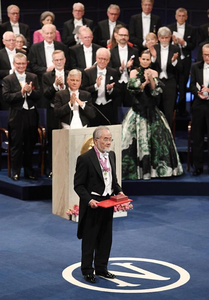産経フォト大隅さんに最高の栄誉 ストックホルムでノーベル賞授賞式サイトナビゲーション大隅さんに最高の栄誉 ストックホルムでノーベル賞授賞式PRPRスゴい!もっと見る瞬間ランキングもっと見るPRPRRICOH THETAが記憶する景色PRPR産経スペシャル今週のトピックス話題のランキング